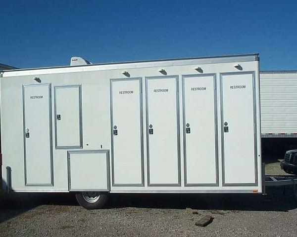 Bunk & Bathroom Trailers 3