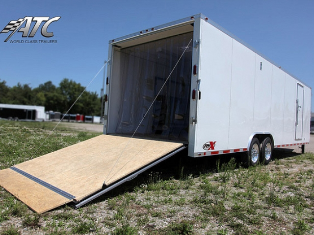 32 ft Gooseneck Enclosed Trailer