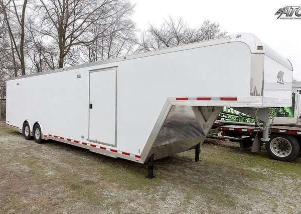 Car Hauler - Gooseneck Race Trailers 2