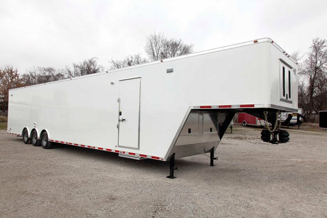 48' 5th Wheel Enclosed Trailer (Air Ride)
