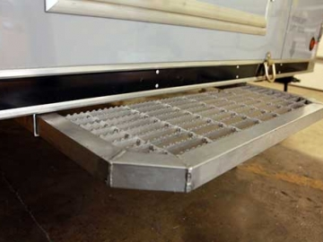 Non Slip Aluminum Door Step, Door Accessories, Custom Trailer Options