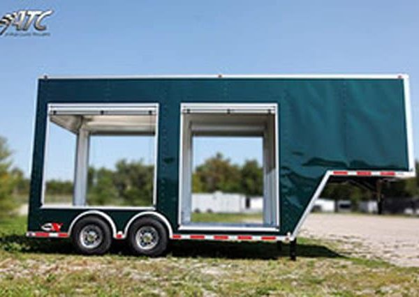 Gooseneck Trailers - Roll Up Door Gooseneck Trailer