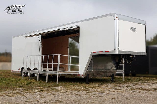 Semi Trailer Stage Showroom Mo Great Dane Trailers