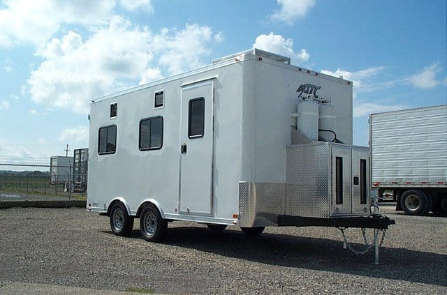 a response to the trailer of Yodock® emergency response trailer package provides rapid and efficient deployment of yodock 2001, 2001m, 2001mb or 2001sl barricades during an emergency.